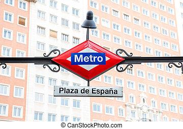 Madris Metro Station