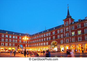 madryt, plaza burmistrzują, typowy, skwer, w, hiszpania