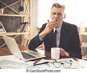 maduras, homem negócios, trabalhando