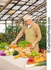 maduro, homem, legumes, sênior, selecionar
