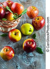 maduro, maçãs, em, a, cesta, vista superior