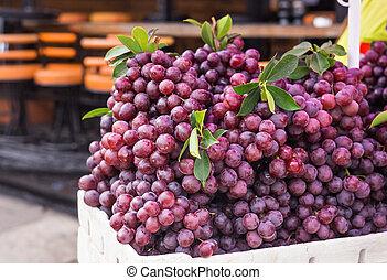maduro, uva roja, con, hojas