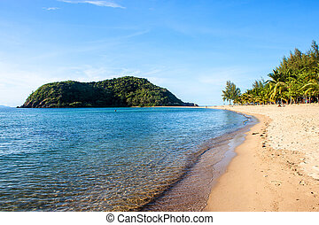 Mae Haad beach and Koh Ma islet on Koh Phangan island, Thailand