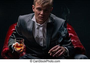 maffia, chef, i rött, chair., dramatisk, belysning