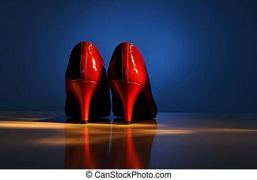 magas, cipők, megsarkal