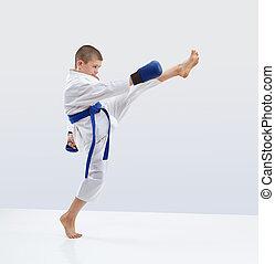 magas, megrúg, előmozdít, karateka, van, szívverés, alatt, karategi