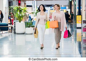magasin, café, femme, bavarder, deux, jeune