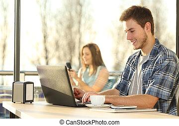 magasin, café, ordinateur portable, fonctionnement, homme