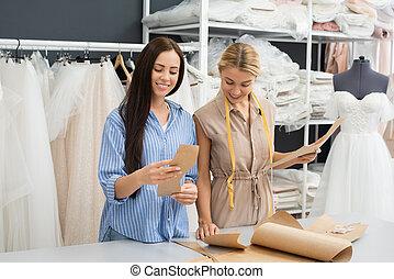 magasin, nuptial, fonctionnement, deux femmes