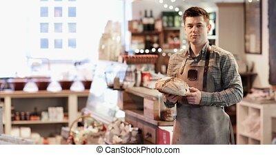 magasin, porter, pain, tablier, épicerie fine, tenue, propriétaire, portrait, sourire, mâle, pain