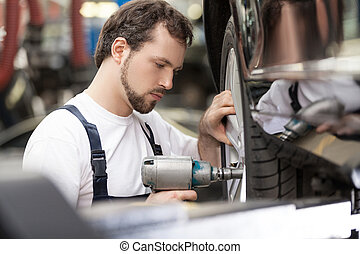 magasin, réparation, fonctionnement, shop., auto, travail, confiant, mécanicien