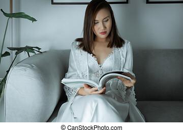magazine, article., lecture femmes