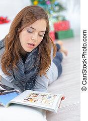 magazine, lecture femme, joli, plancher