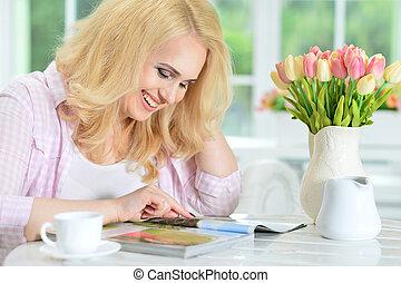 magazine, lecture femme