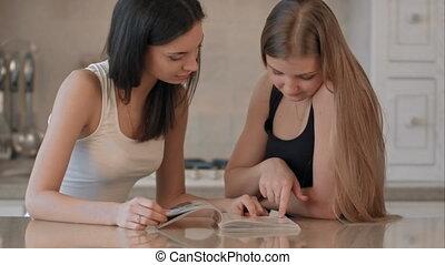 magazine, mode, filles, lecture, deux