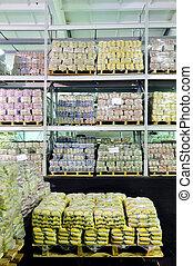 magazzino, produzione