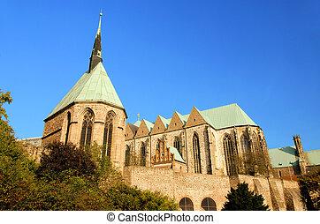 Magdeburg Sankt-Petri-church 01