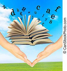 magia, encima, libro, cartas, manos