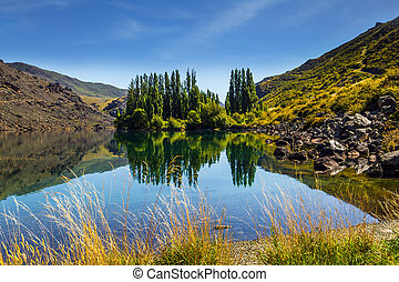 Magic New Zealand - hills and lakes