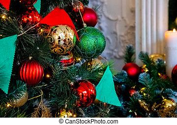 magically, dekoriert, weihnachtsbaum, mit, kugeln, bänder, und, girlanden, auf, a, verwischt, glänzend, fee, und, funkeln, background.decorated, weihnachten, baum., hell, dekorationen, für, der, neu , year., weihnachten, decoration., feiertage, daheim, decor.