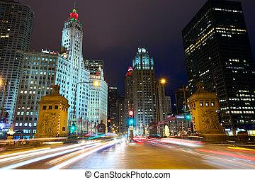 Magnificent Mile in Chicago - Michigan Avenue Bridge and...