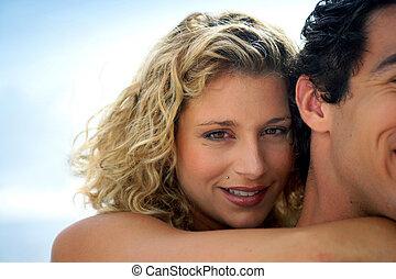 magnifique, femme, petit ami, elle, embrasser