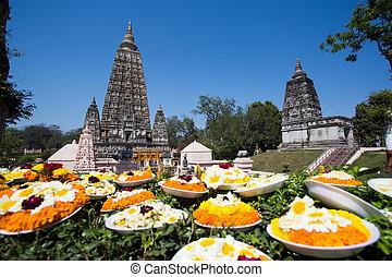 Mahabodhi temple, bodh gaya, India. The site where Gautam ...