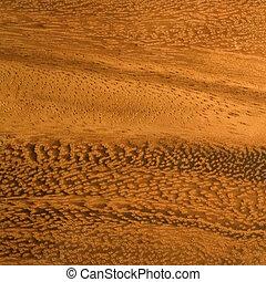 Mahogany wood grain - Strangely beautiful rich wooden grain ...