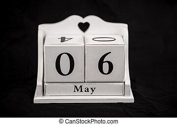 mai, calendrier, cubes