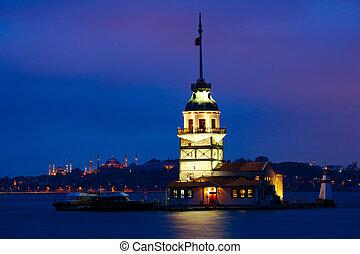Maiden Tower (Kiz Kulesi Leander's Tower) at dusk, Istanbul,...