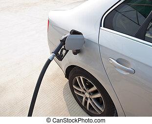 main, à, remplir, carburant, à, essence, stati