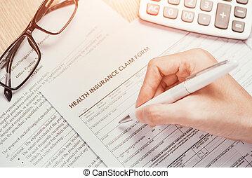 main, écrit, les, personnel, information, sur, les, assurance maladie, réclamation, formulaire
