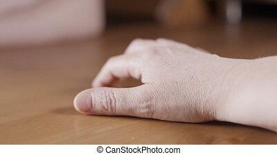main, closeup, adulte, tapotement, nerveux, femme, doigt
