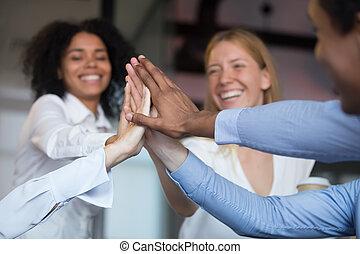 main, employés, haut haut, donner, divers, cinq, fin, joindre