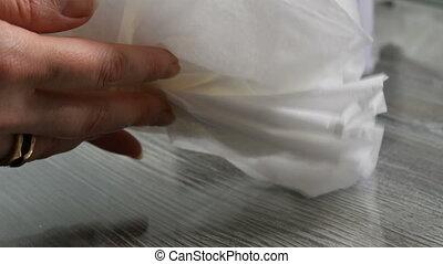 main femelle, serviettes, plis, papier, lot, grand plan, vue