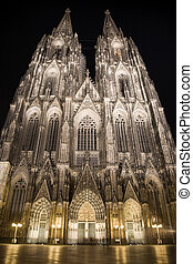 Dom in Cologne at night lighting