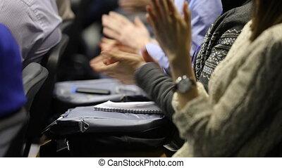 mains, applaudir, conférence