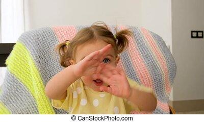 mains applaudissant, mignon, girl, chant
