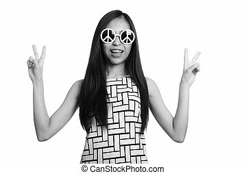 mains, asiatique, paix, quoique, fille souriante, adolescent, signe, élégant, regarder, deux, jeune, heureux, donner