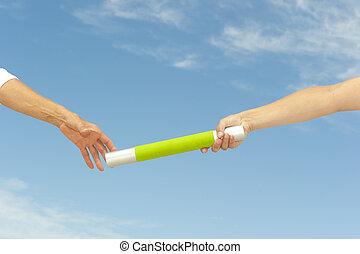 mains atteindre, collaboration, bâton