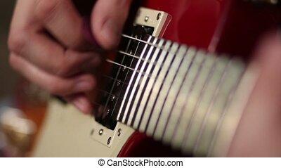 mains, de, homme, jouer, guitare électrique