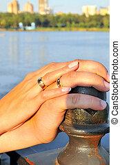 mains, de, nouveaux mariés