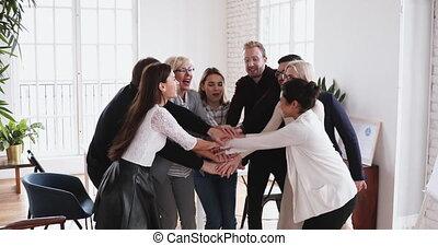 mains, engagé, pile, loyauté, constitué, coopération, employés, multiethnic
