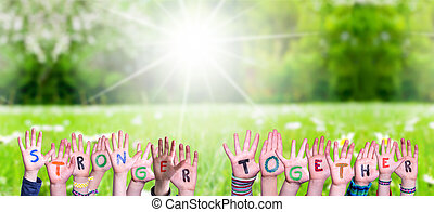 mains, herbe, bâtiment, enfants, mot, plus fort, pré, ensemble