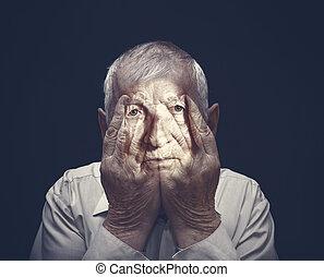 mains, homme, personnes agées, figure, fermé, portrait