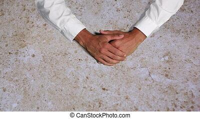 mains, mâle, attaché, caucasien, ensemble