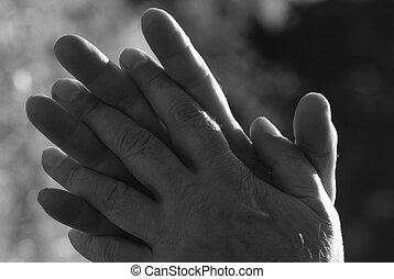 mains mâles