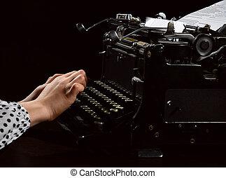 mains vieilles, machine, noir, lettre, dactylographie, girl, machine écrire