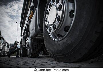 Maintaining Semi Truck Tires