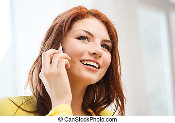 maison, adolescent, smartphone, fille souriante